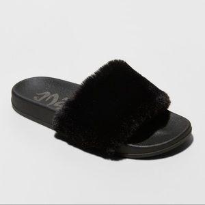 Womens Mad Love Fur Slide Sandals